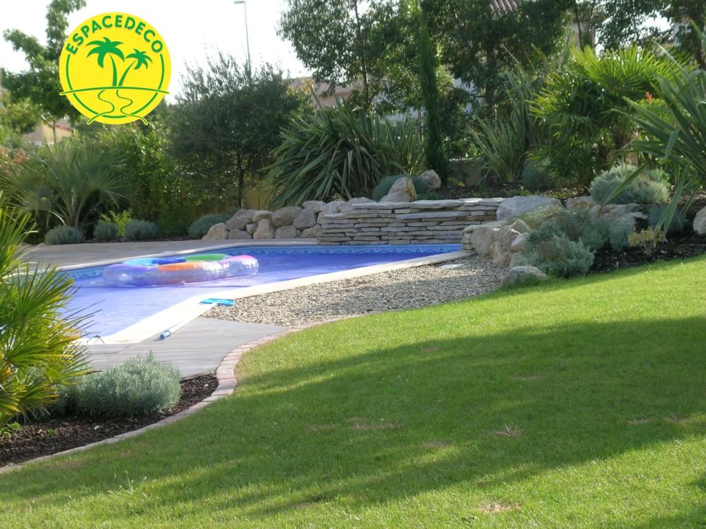 Les paysagistes Espace Déco améliorent votre extérieur et vos espaces verts.
