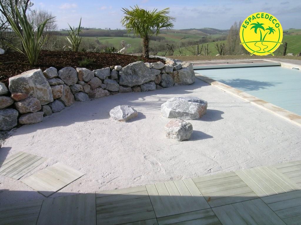 roches, galets, et pierres volcaniques pour un rendu moderne et beau par Espacedéco.