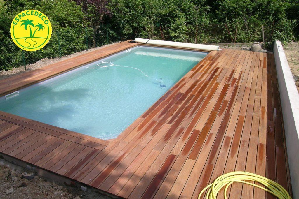 A Toulouse, Espacedéco intervient dans la réalisation de tour de piscine avec du personnel compétant à Balma et Pin Balma, Saint Jean, Fonsegrive, Labege.