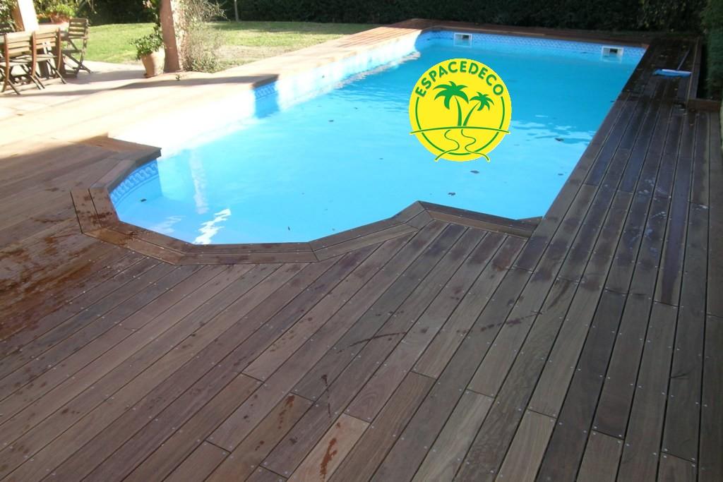 Apporter une touche de modernité à votre espace extérieur, et réalisez l'aménagement de votre tour de piscine par Espacedéco à Toulouse.