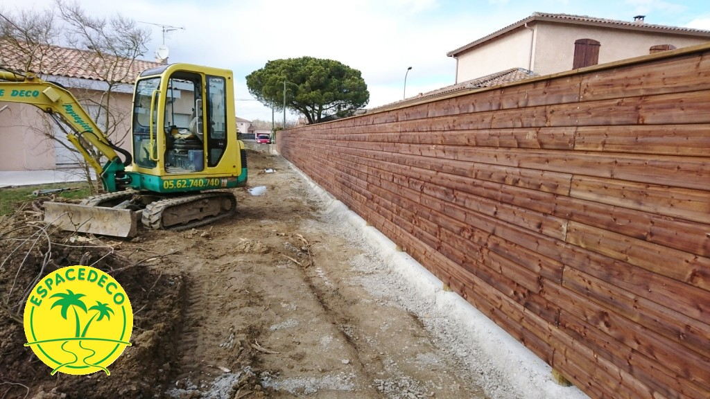 Installation clôture bois à Plainsance du Touch