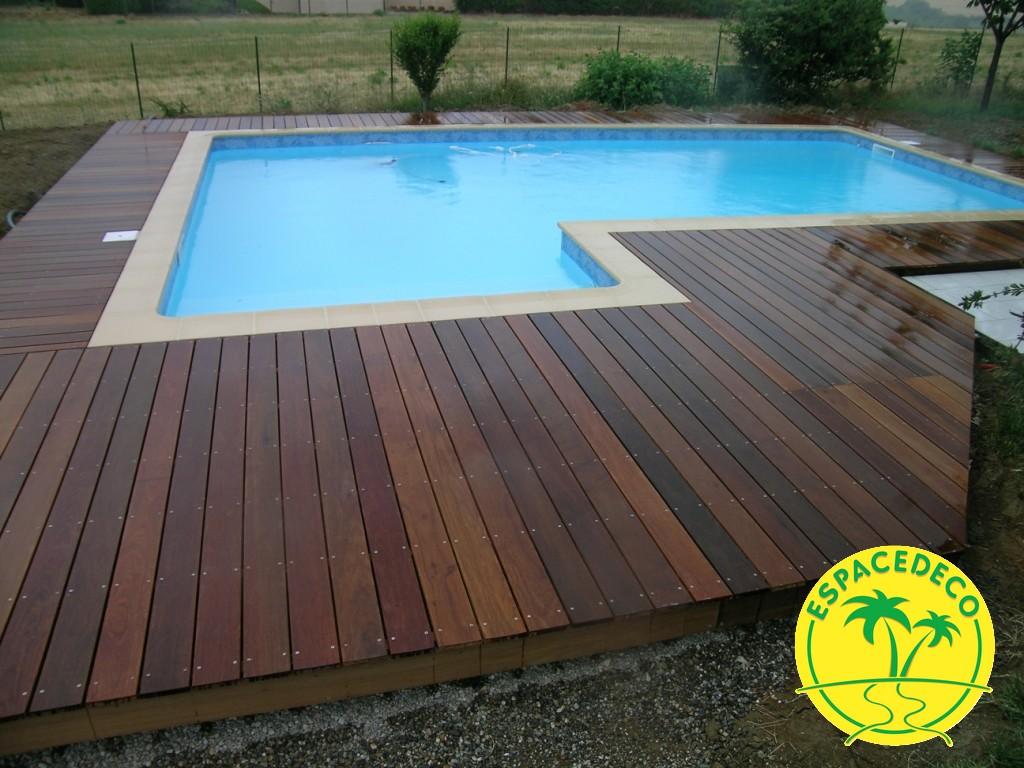 Exigez le confort pour votre tour de piscine et profitez de l'expertise de votre décorateur/paysagiste Espace Déco à Toulouse, Pibrac, Colomiers, Cugnaux.