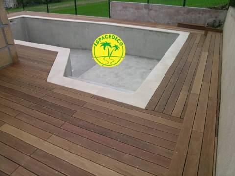 Solution d'aménagement d'espaces extérieurs, Espacedéco apportent une touche de modernité à votre tour de piscine en Haute Garonne à Toulouse, Pibrac, Colomiers, Cugnaux, Tournefeuille, Plaisance.